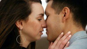 iubirea-nu-te-poate-scapa-de-propriul-intuneric